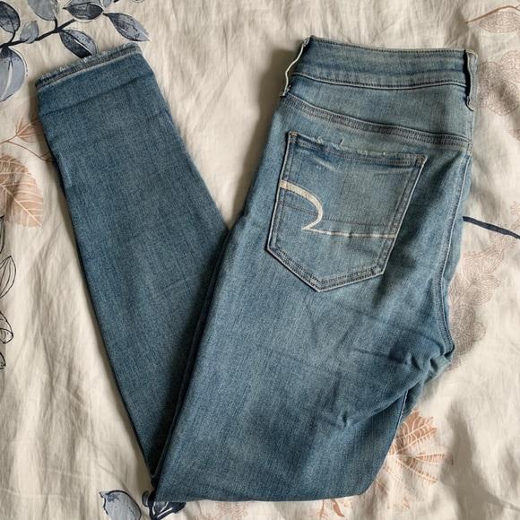 2/$60 American Eagle // Super Stretch Skinny Jeans